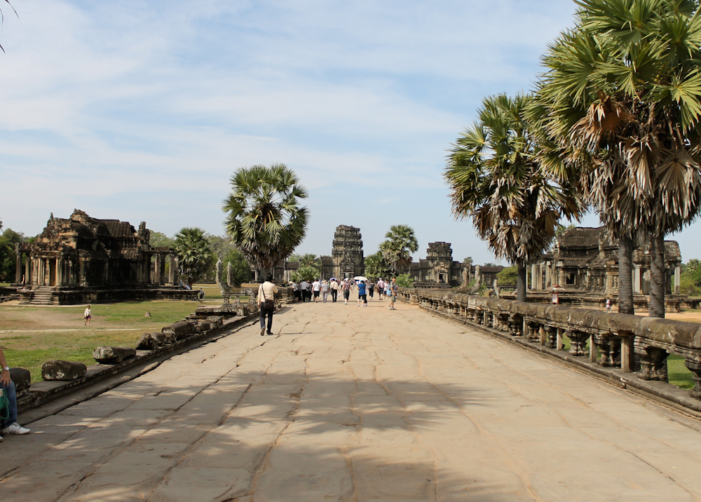 Angkor Wat Cambodia Chuzai Living