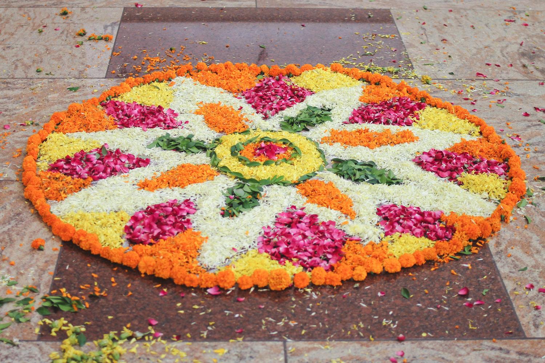 Flower Rangoli Making ☆ Diwali Chuzai Living
