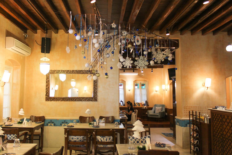 Taj Mahal Tea House Chuzai Living